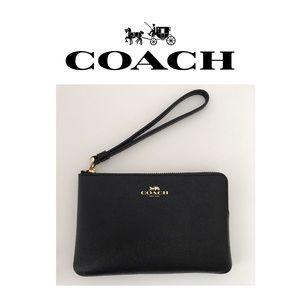 🆕 NWT Coach Black Leather Wristlet